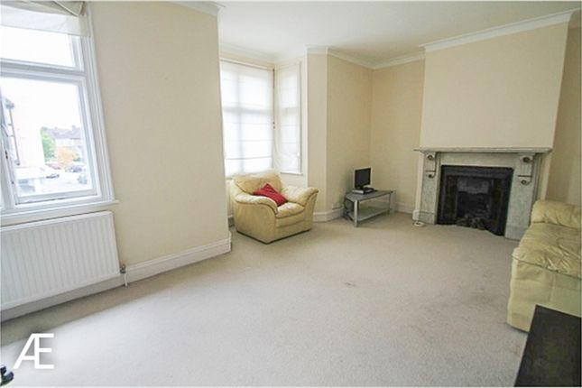 Thumbnail Flat to rent in Croydon Road, Beckenham, Kent