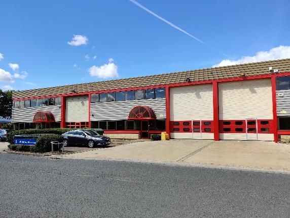 Thumbnail Warehouse to let in Units 2, 3 And 4 Parkside Industrial Estate, Avenue Two, Station Lane, Witney, South East