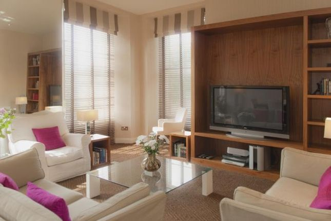 Thumbnail Penthouse to rent in South Charlotte Street, New Town, Edinburgh