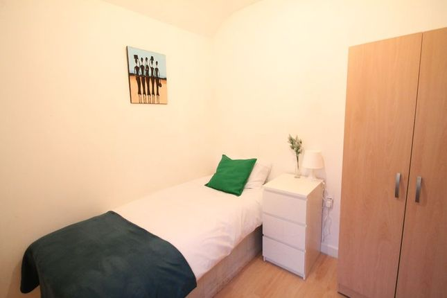 Thumbnail Room to rent in Shroffold Road, Downham, Bromley