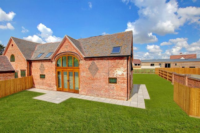 Thumbnail Semi-detached house for sale in Abbots Lench, Evesham
