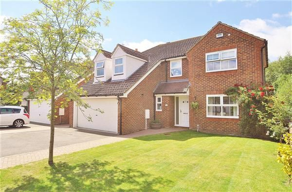 Thumbnail Detached house for sale in Fountains Close, Willesborough, Ashford