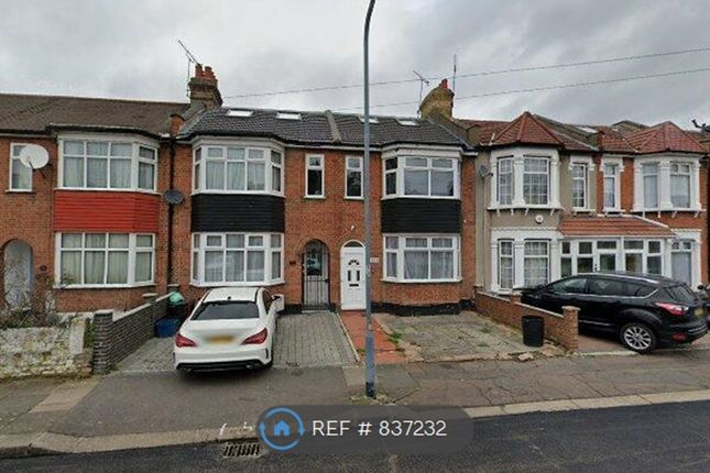 Thumbnail Terraced house to rent in Windsor Road, Ilford