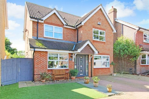 Thumbnail Detached house for sale in Selwyn Drive, Broadstairs