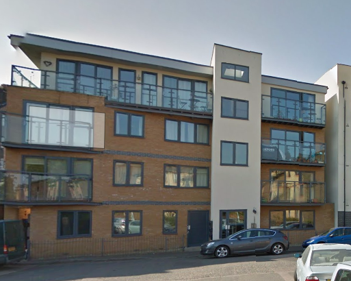 2 bed flat to rent in Glenville Grove, London