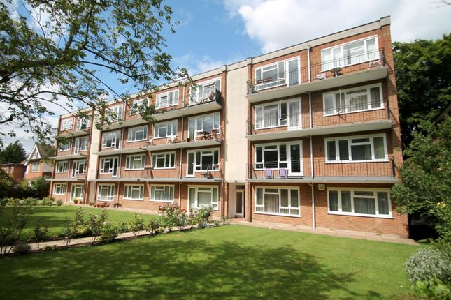 2 bed property to rent in Woodville Gardens, Lovelace Road, Surbiton KT6