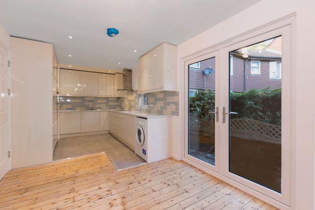 Thumbnail Property to rent in Abbeyfield Road, London
