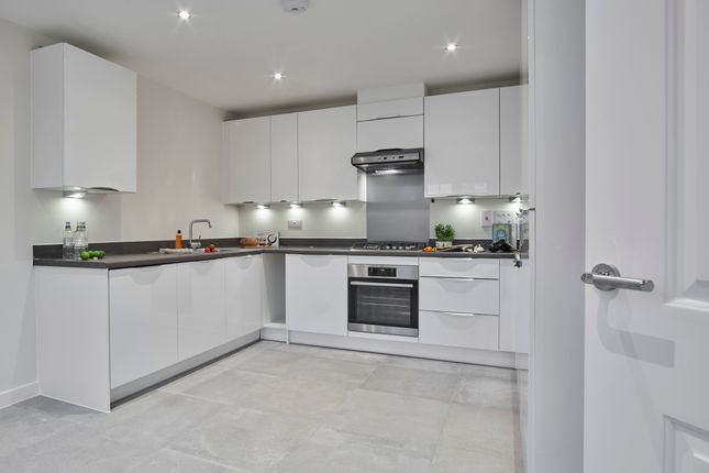 Thumbnail Semi-detached house for sale in Caddington Woods, Caddington