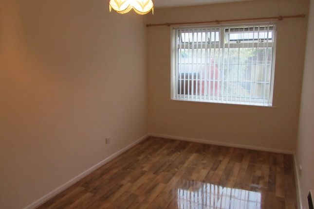 Thumbnail Bungalow to rent in Lapwing Close, Penarth