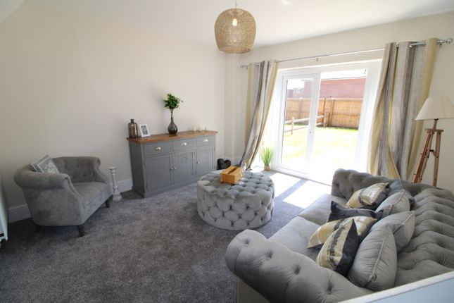 3 bedroom semi-detached house for sale in Victory Road, Preston