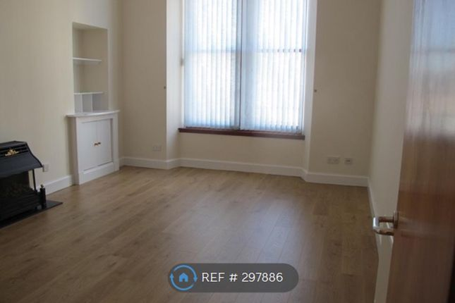 Thumbnail Flat to rent in Newton Street, Greenock