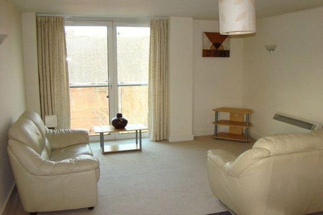 1 bedroom flat to rent in Channel Way, Ocean Village, Southampton