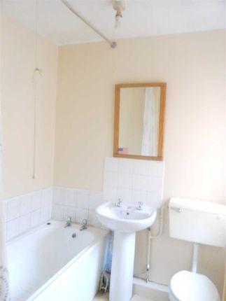 Bathroom of Mary Street, Scunthorpe DN15