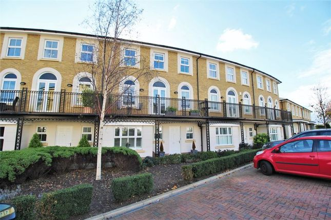 Thumbnail Town house to rent in Vallings Place, Long Ditton, Surbiton