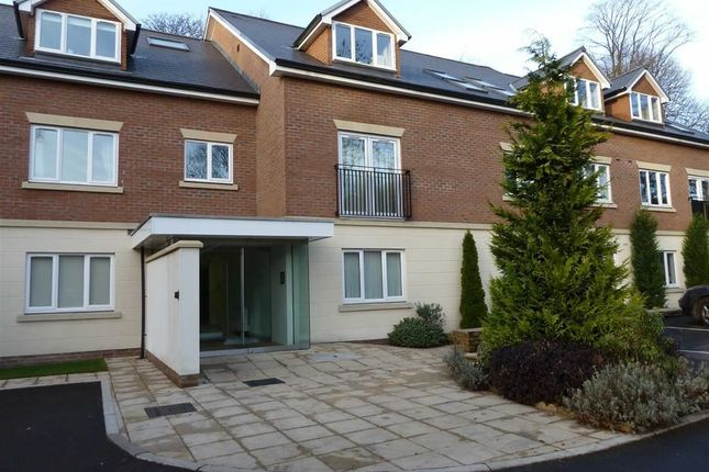 Thumbnail Flat to rent in Meadowcroft Lane, Rochdale, Greater Manchester