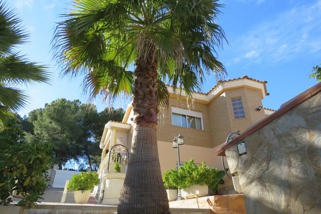 Villa for sale in Estivella, Valencia, Spain