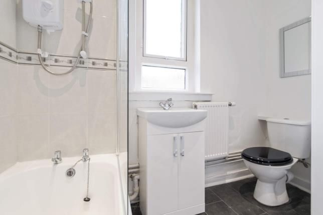 Bathroom of Windsor Crescent, Paisley, Renfrewshire, . PA1