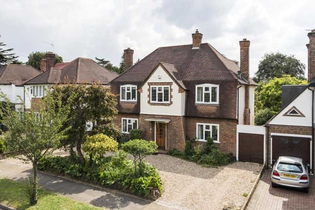 4 bed detached house to rent in Claygate Lane, Esher