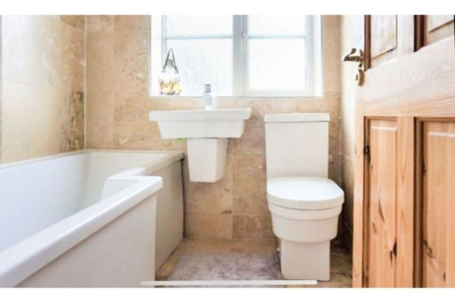Bathroom of Easedale Road, Moston, Manchester M40