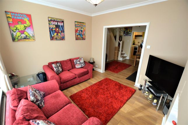 2 bed terraced house for sale in Field Street, Bicester