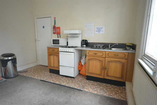 Kitchens And Bathrooms Prices Leicestershire