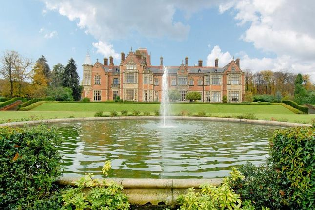 Thumbnail Flat for sale in Wyfold Court, Henley On Thames