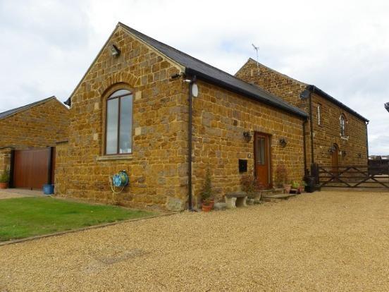 Thumbnail Barn conversion to rent in Church Lane, Cransley