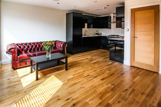 Thumbnail Flat to rent in Fellows Court, Weymouth Terrace, London