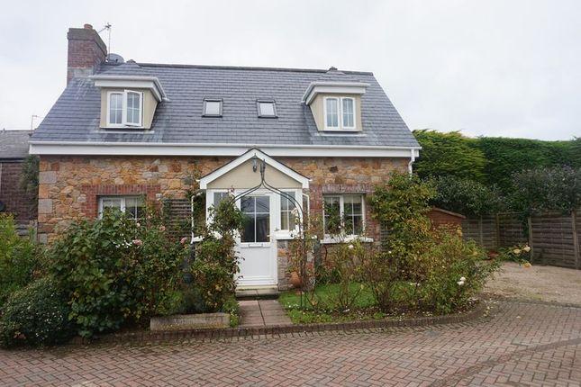 Thumbnail Property for sale in Le Clos Des Fonds, La Sente Des Fonds, Grouville, Jersey