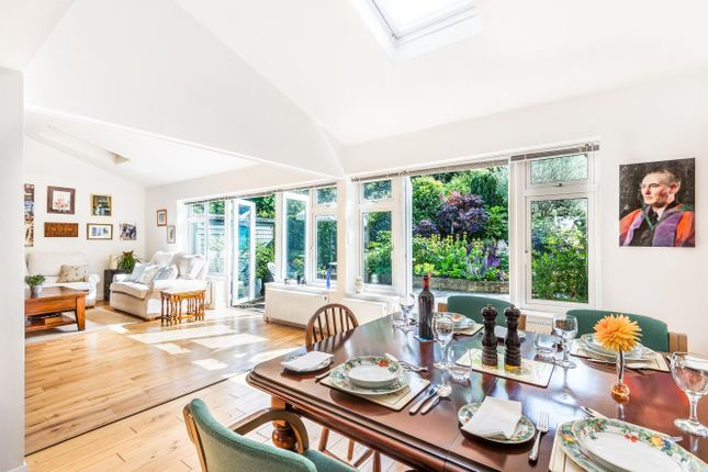 Thumbnail Detached house for sale in Greenway, London