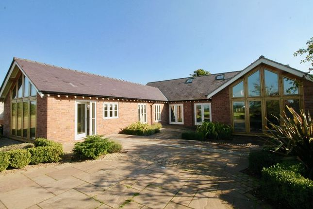 Thumbnail Barn conversion to rent in Barnshaw, Holmes Chapel, Crewe