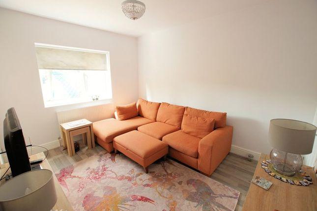 Lounge of Westbrook Road, Fareham PO16