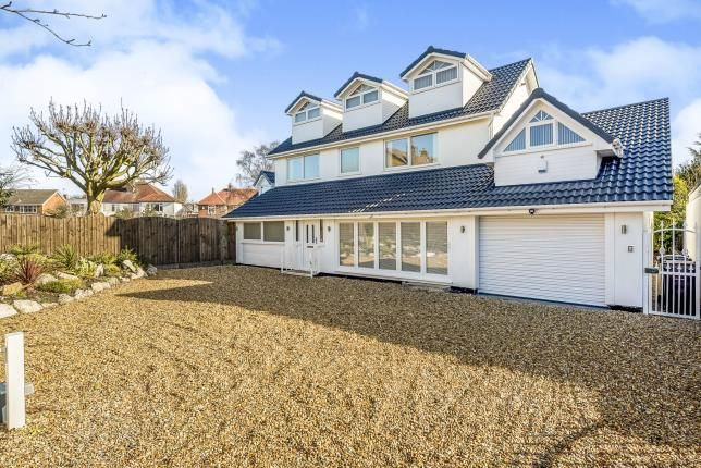 Thumbnail Detached house for sale in Bellatores Finnam, Ainsdale
