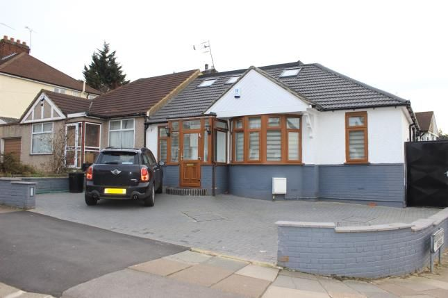 Thumbnail Bungalow for sale in Rushden Gardens, Ilford