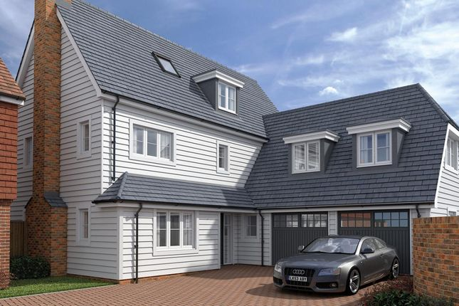 Thumbnail Detached house for sale in Albion Road, Marden, Kent