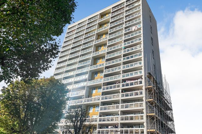 2 bed flat for sale in Chiltern Road, London E3