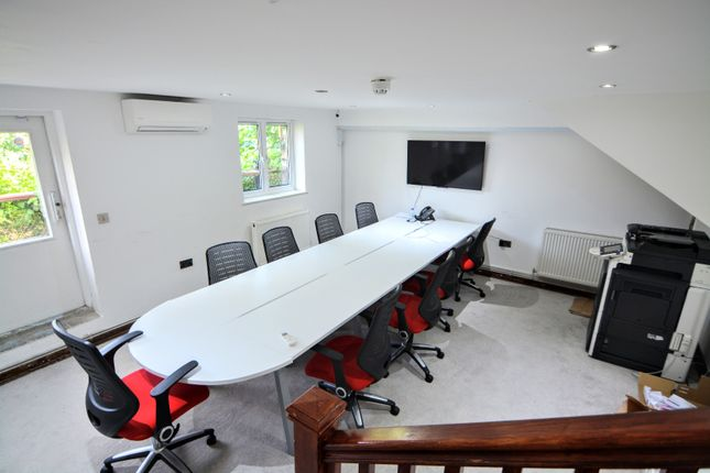 Office to let in Upper Richmond Road, Putney