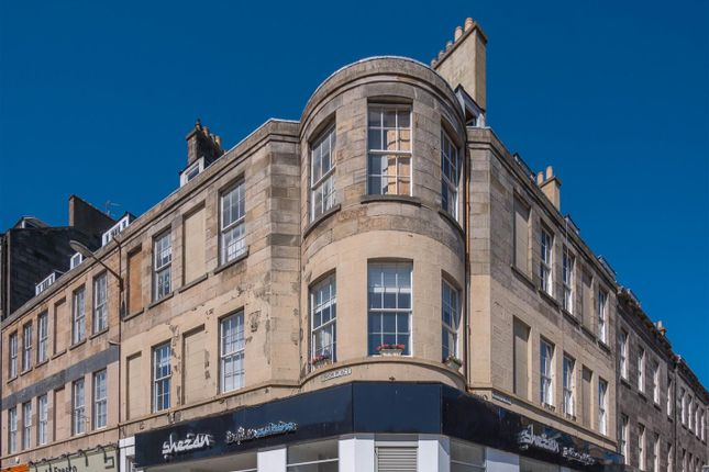 Flat for sale in Union Place, New Town, Edinburgh