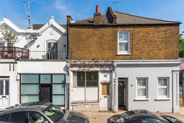 Thumbnail Terraced house for sale in Glenthorne Road, London
