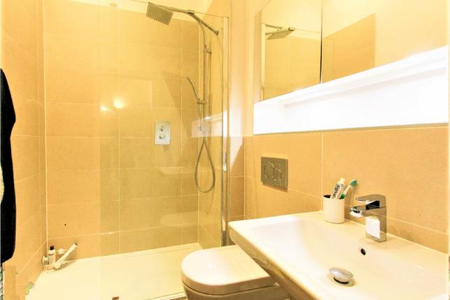 Flat-13-Bathroom-2