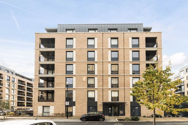 Thumbnail Flat for sale in Holman Drive, Southall
