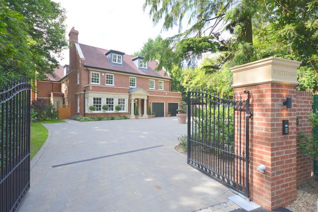 Thumbnail Detached house for sale in Sandy Lane, Kingswood, Tadworth