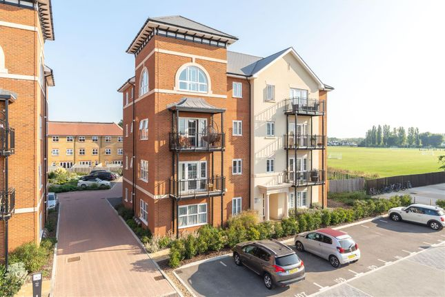 2 bed flat to rent in Bell Farm Way, Hersham, Walton-On-Thames KT12