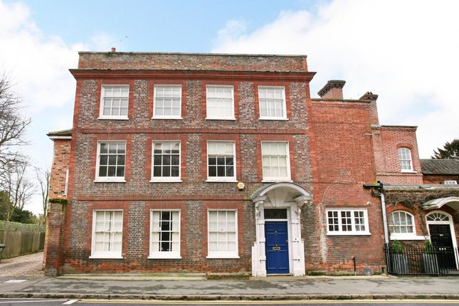 Thumbnail Flat to rent in West Street, Marlow