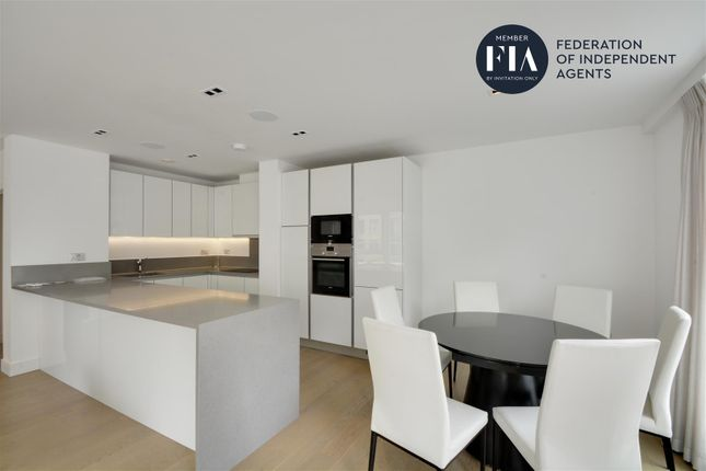 Thumbnail Flat to rent in Fitzroy House, Dickens Yard, Ealing