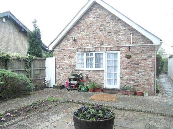 Thumbnail Flat to rent in Heworth Green, York
