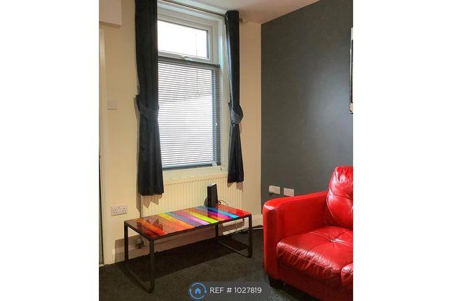 Livingroom Picture 3