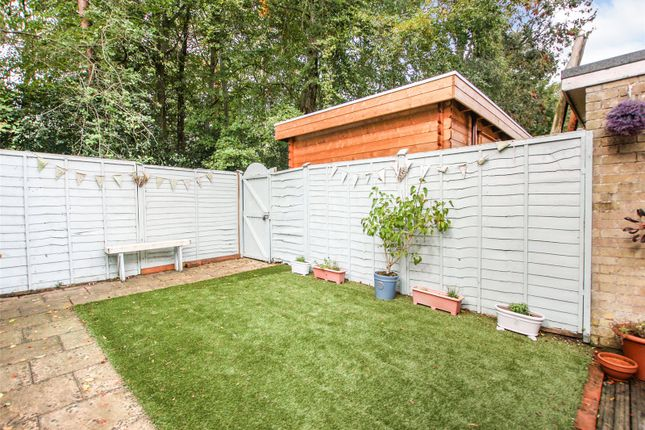 3 Bed Terraced House For Sale In Efford Way Pennington Lymington Hampshire So41 Zoopla