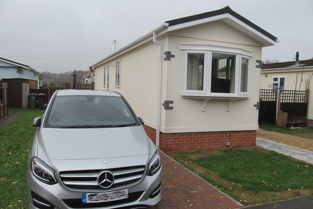 Thumbnail Mobile/park home for sale in Waterend Park, Old Basing (Ref 5469), Basingstoke, Hampshire