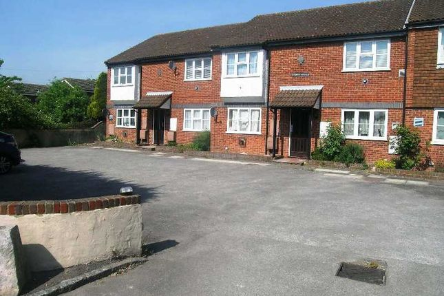Thumbnail Flat to rent in Staddle Stones, New Road, Princes Risborough